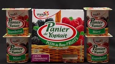 Le groupe Yoplait va passer sous le contrôle de l'américain General Mills, mais le géant de l'agroalimentaire s'est engagé à maintenir en France le siège social et les usines du numéro deux mondial des produits laitiers frais. /Photo prise le 18 mars 2011