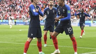 Le but de Kylian Mbappe contre le Pérou.