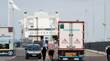 Camion frigorifique contrôlé par la police dans le port de Ouistreham, le 18 septembre 2018  (Photo d'illustration)