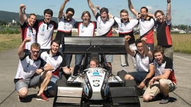 L'équipe d'étudiants ingénieurs à l'origine du record.