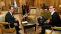 """François Hollande reçoit deux responsables de l'association LGBT (Lesbiennes, Gays, Bi et Trans de France) à l'Elysée. Le chef de l'Etat a retiré mercredi l'expression """"liberté de conscience"""" pour les élus appelés à célébrer les mariages homosexuels, qui"""