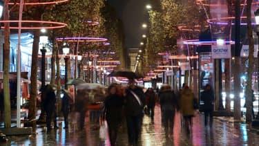 L'enseigne Marionnaud assure que son magasin des Champs-Elysées restera ouvert après 21h.