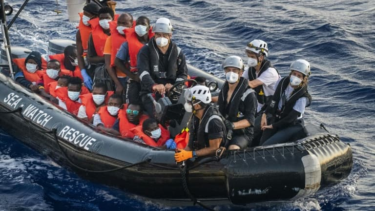 147 migrants secourus au large de la Libye par l'ONG Sea-Watch