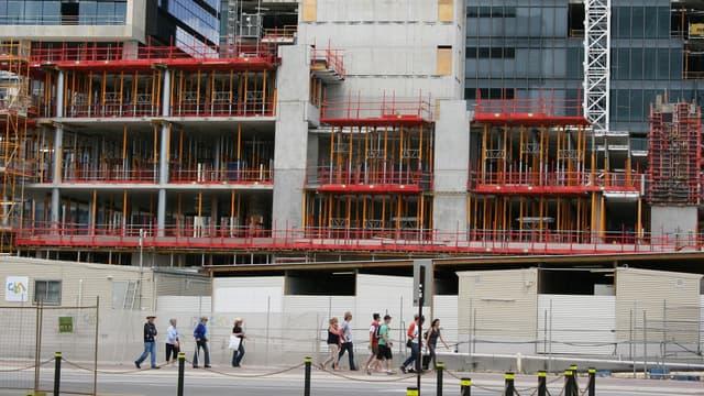 Dans les activités de construction, le repli a été de 5% sur les six premiers mois de l'année.