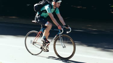 Une coopérative pourrait donner aux coursiers à vélo une protection que ne leur offre pas le statut d'autoentrepreneur.