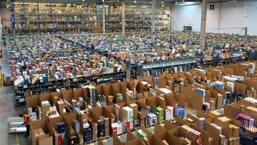 Les livres représentent 5% du chiffre d'affaires d'Amazon en France et sont considérés comme des produits non-essentiels.