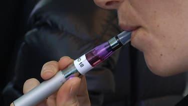 Une cigarette électronique - Image d'illustration