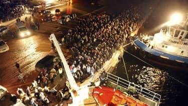 Des travailleurs immigrés fuient la Libye