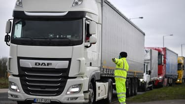 Le gouvernement britannique a abandonné le permis d'accès au sud de l'Angleterre pour les routiers