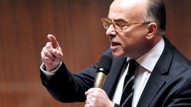 Bernard Cazeneuve, le ministre du Budget, a annoncé que huit milliards d'euros manqueraient à l'appel.