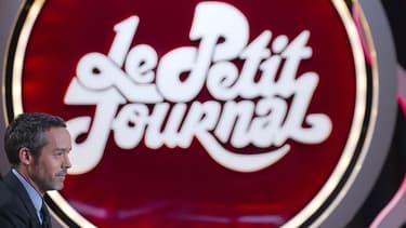 """Yann Barthès  sur le plateau du """"Petit Journal"""" de Canal +, en 2012."""