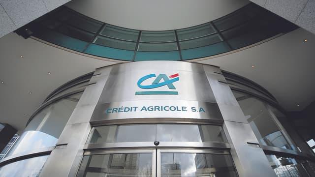 Crédit Agricole publie un bénéfice en nette baisse.