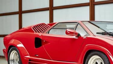 Une Lamborghini Countach Anniversary est partie pour 367 000 euros.