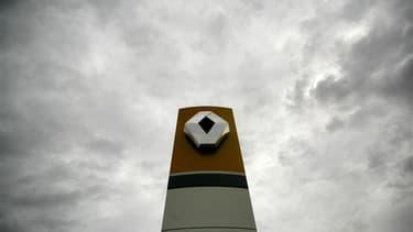 L'ouverture d'une usine Renault géante au Maroc relance en pleine campagne présidentielle en France le débat sur la désindustrialisation du pays et les conséquences de la mondialisation. La droite et l'extrême-droite ont fustigé l'initiative de Renault, d