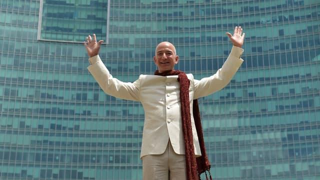 """Jeff Bezos veut que les gens fassent """"des paris audacieux""""."""