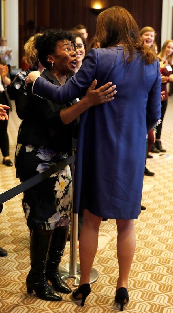 La professeur Jacqueline Dunkley-Bent et Kate Middleton