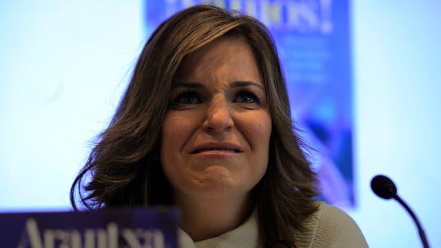 Arantxa Sanchez pleure pendant la présentation de son livre, en 2012