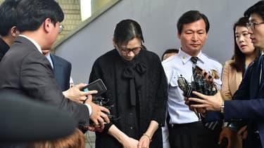Cho Hyun-Ah  avait été condamnée en 2015 à un an de prison pour violation de la règlementation sur la sécurité aérienne avant d'être libérée cinq mois plus tard.,