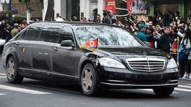 A côté de de 'The Beast', la limousine blindée de Donald Trump,  Kim Jong-un utilise une Mercedes-Maybach S600 blindée.