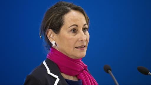 """""""C'est une façon dépassée de faire de la politique"""", a dénoncé Ségolène Royal, ici le 14 avril à Paris, au sujet des attaques d'élus de Vendée protestant contre sa décision de bloquer un projet d'autoroute dans l'Ouest."""