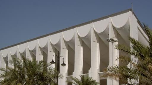 Majlis al-Umma, le Parlement du Koweït, a lancé une enquête sur deux contrats noués par des Français dans l'Emirat.