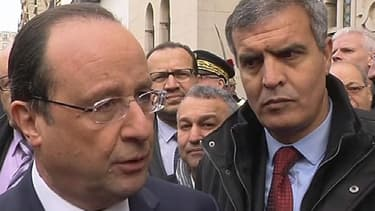"""François Hollande a exprimé mardi avoir une """"pensée"""" pour l'ancien président Jacques Chirac, brièvement hospitalisé lundi soir"""