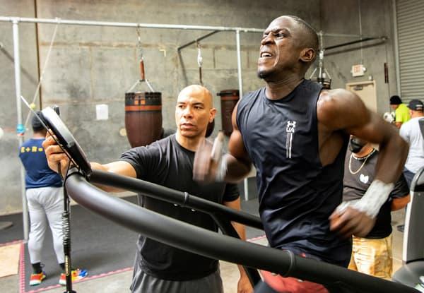 Souleymane Cissokho en plein travail physique à l'entraînement en Californie en mai 2021