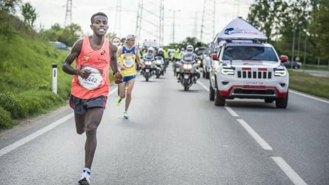 """35 000 coureurs ont défié cette année les """"catcher cars""""."""