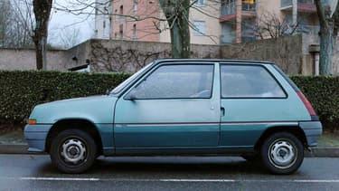 Une superbe Renault Super 5 dans son jus.