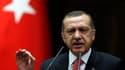 Après la destruction vendredi dernier d'un avion de combat turc par l'armée syrienne, le Premier ministre turc Tayyip Erdogan a averti mardi que l'armée turque avait changé ses règles d'engagement et répondrait à toute violation de sécurité à sa frontière