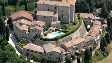 Des villes désertes, parfois hantées, des villages pittoresques abandonnés en France et en Italie... il est possible d'acquérir ces biens remplis d'histoire pour quelques centaines de milliers d'euros. Travaux à prévoir.