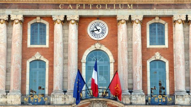 La façade de la mairie de Toulouse.