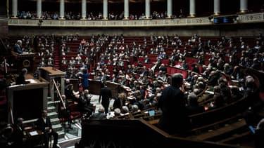 """Les députés LREM ont donné leur feu vert pour les propositions de loi contre les """"fake news"""""""