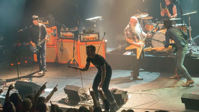 Les Eagles of Death Metal lors de leur concert au Bataclan le 13 novembre 2015