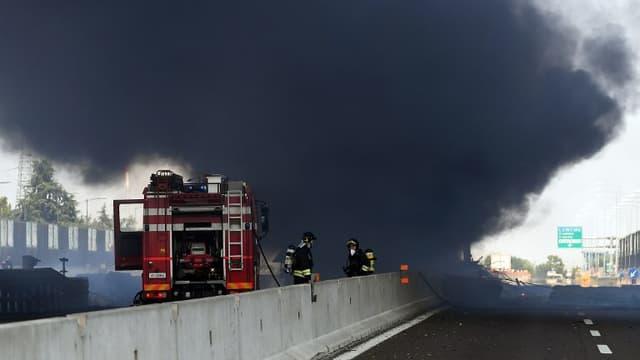 Au moins une personne a été tuée et une quarantaine d'autres blessées lundi après-midi quand un camion citerne a explosé sur le périphérique de Bologne.