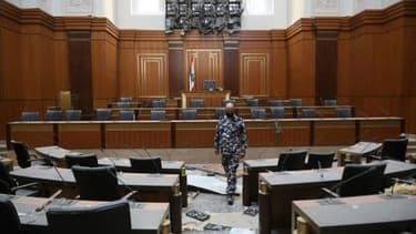 Le Parlement libanais, endommagé par l'explosion, le 5 août 2020
