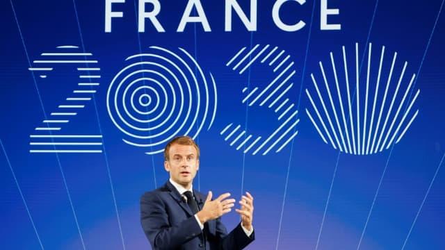 """Emmanuel Macron lors de la présentation du plan d'investissements """"France 2030"""" à l'Elysée, le 12 octobre 2021."""