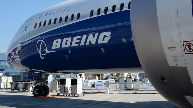 Boeing est empêtré dans les déboires de son avion vedette.