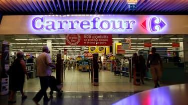 Un hypermarché Carrefour a été assigné par deux syndicats, pour non respect de la législation sur le travail de nuit.
