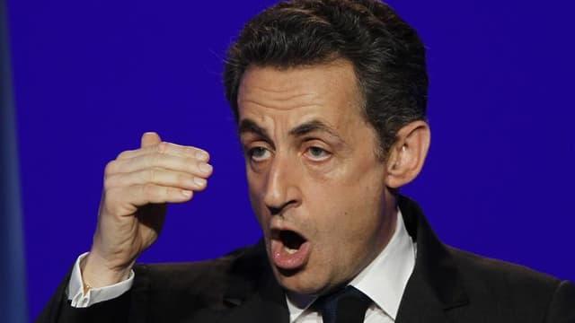 Interrogé par France Info, Nicolas Sarkozy a rejeté les critiques émises, notamment par l'opposition, contre l'action des services de renseignement et de police dans la traque et la neutralisation du tueur. /Photo prise le 24 mars 2012/REUTERS/Gonzalo Fue