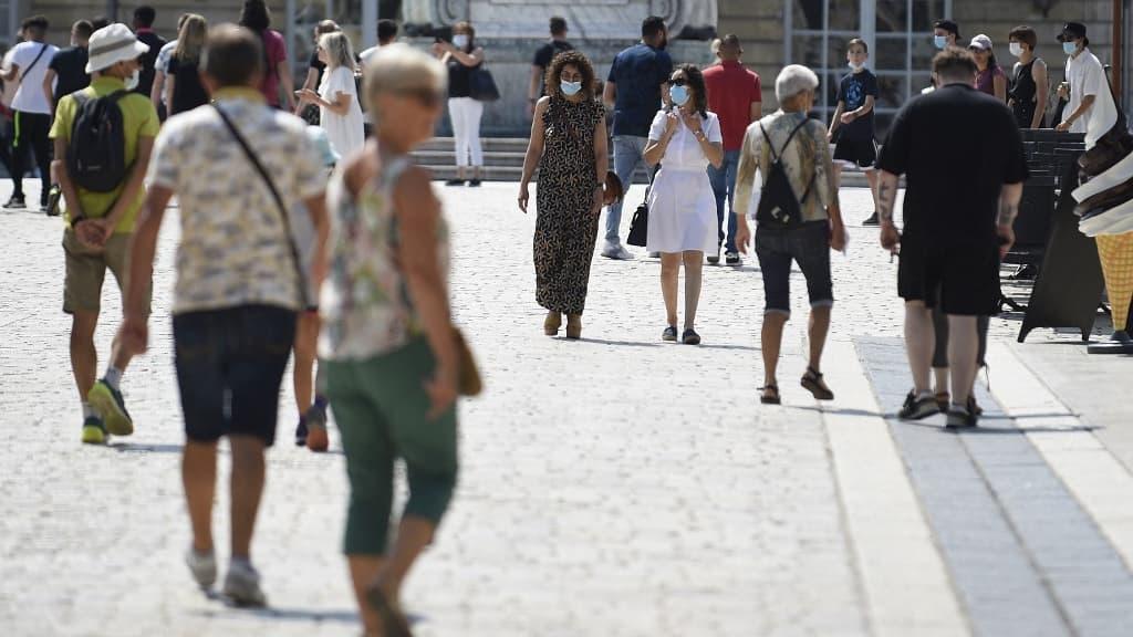 Covid-19: le taux d'incidence augmente dans toutes les classes d'âge en France