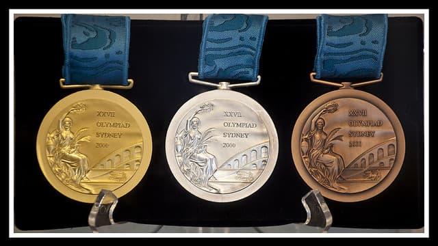 Ces médailles datent des JO de Sydney, en 2000, elles n'étaient  alors pas fiscalisées.