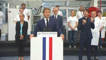 Emmanuel Macron lors de l'annonce du plan de secours pour l'industrie automobile.