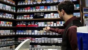Les prix de certains paquets de cigarettes, comme Camel et Winston, baisseront de 20 centimes le 2 janvier à la suite d'ajustements des fabricants, en attendant la hausse de 1,10 euro prévue en mars par le gouvernement