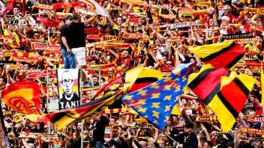 Des supporters de Lens contre Lorient le 29/08/2021.