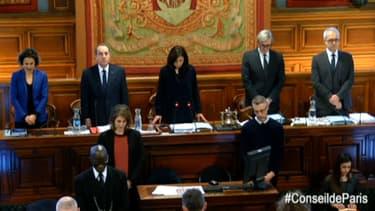 Les élus du Conseil de Paris ont rendu hommage aux victimes de la rue de Trévise.