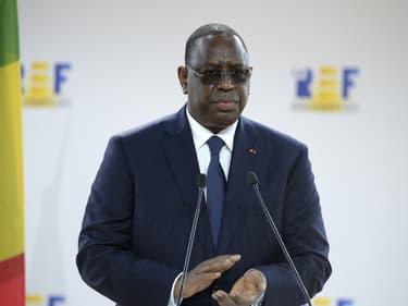 Le président sénégalais Macky Sall à la réunion d'été de l'association patronale MEDEF au complexe hippique de Longchamp, à Paris, le 27 août 2020. (Photo d'illustration)