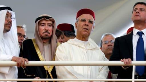 Manuel Valls en compagnie de responsables religieux lors de l'inauguration de la Grande mosquée de Strasbourg.