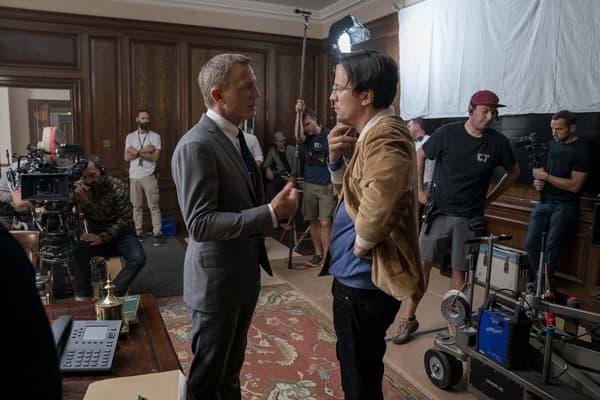 """Daniel Craig et Cary Joji Fukunaga sur le tournage de """"Mourir peut attendre"""""""