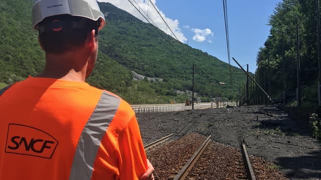 La coulée de boue paralyse les voies SNCF entre la France et l'Italie. Elle est consécutive à des orages pour lesquels la Savoie, et les Alpes en général, ont été placées en vigilance orange deux jours de suite